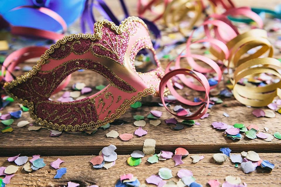 Vi aspettiamo numerosi il 21 Febbraio per festeggiare alla grande il Carnevale al Camp's. Oramai