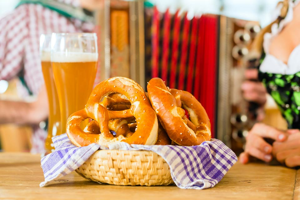 Oktober Fest Aperitif: buffet all you can eat e birra a 9 euro.